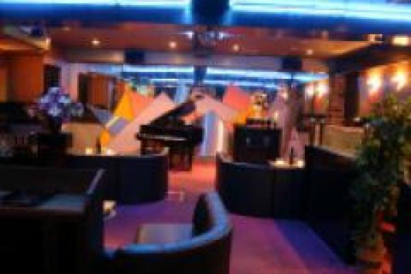 Lounge JJ(ラウンジジェイジェイ)の紹介1